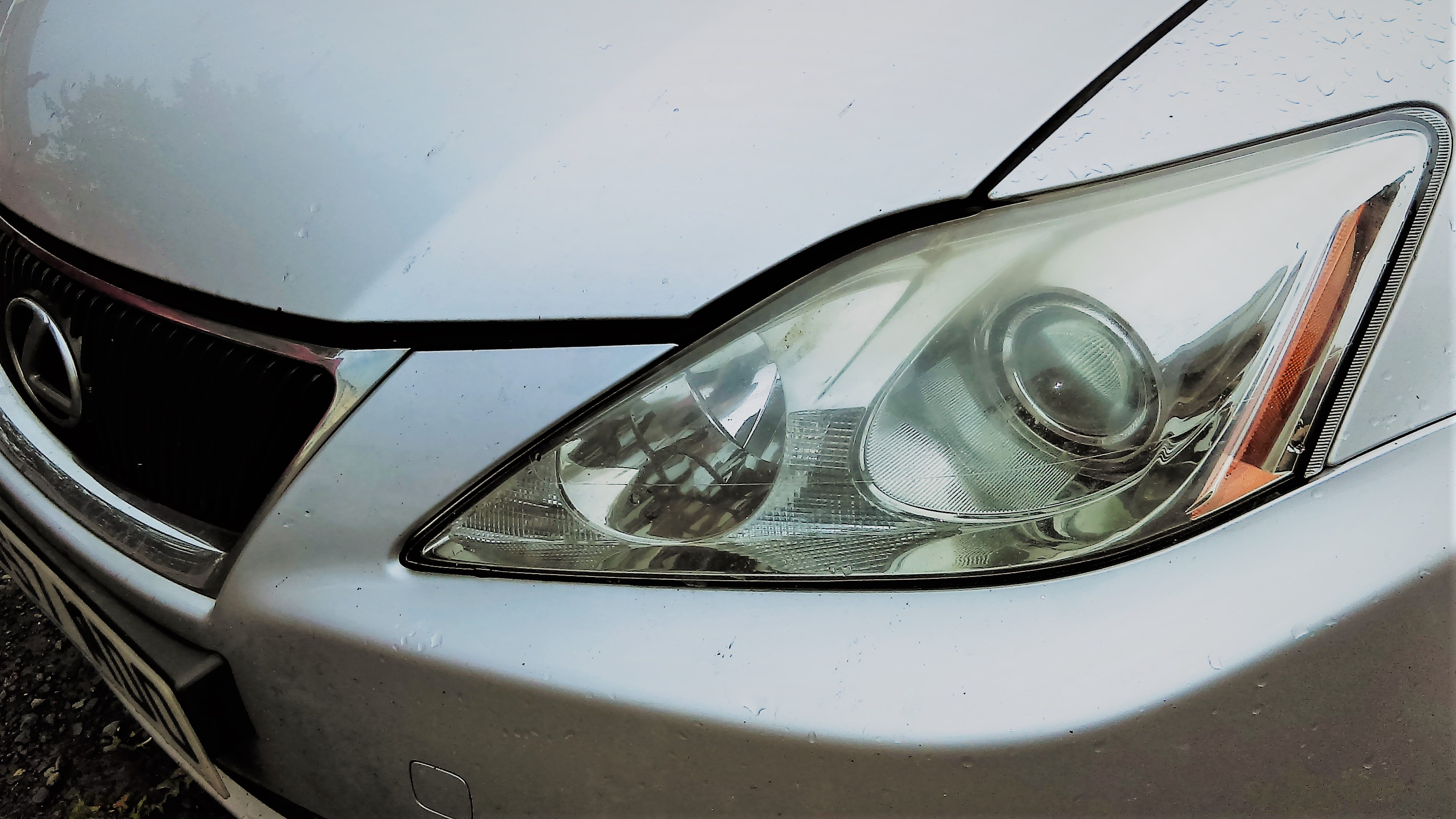 Breaking for Parts Lexus Breakers IS220d used parts